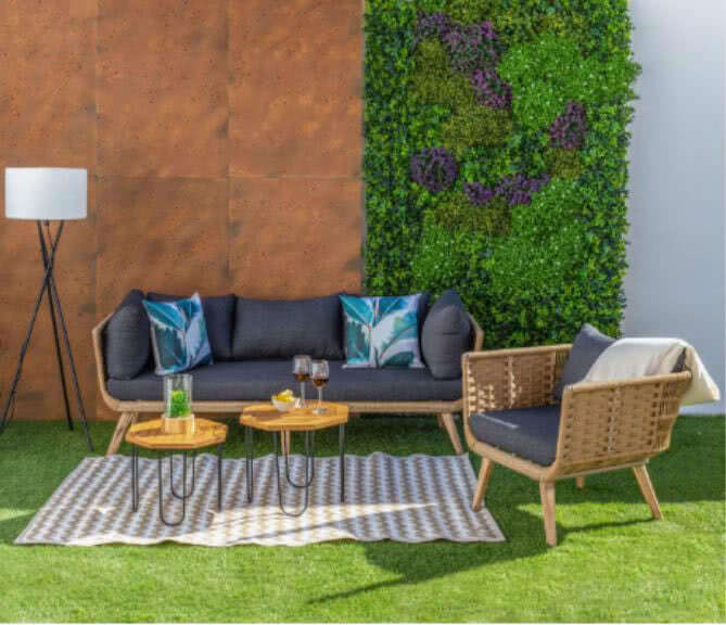 conjunto sofa y sillon jardin - Cómo decorar porches y terrazas - noticias, blog | Muebles en Granada