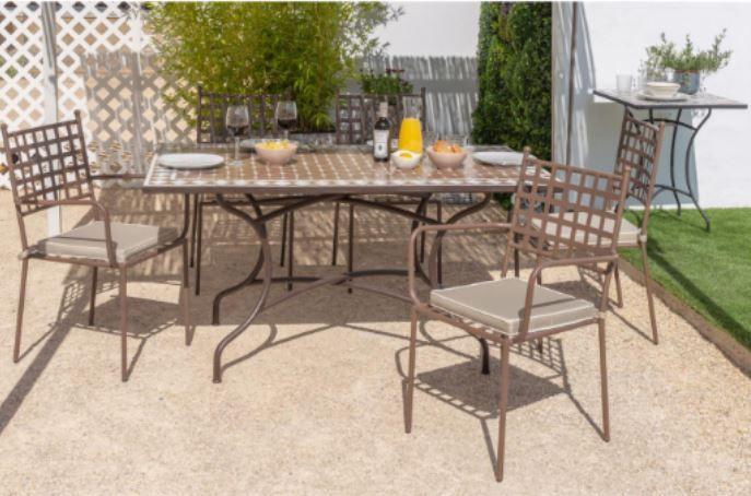 mesa comedor jardin - Cómo decorar porches y terrazas - noticias, blog | Muebles en Granada