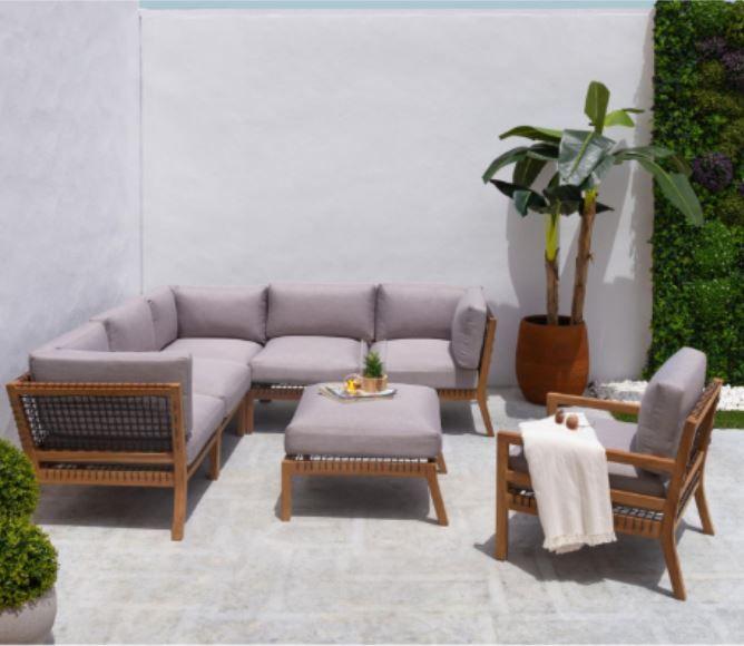 rinconera y sillon - Cómo decorar porches y terrazas - noticias, blog | Muebles en Granada
