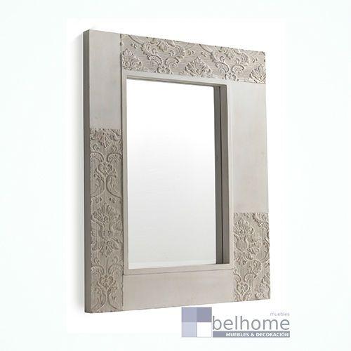 Espejo con marco de madera de abeto